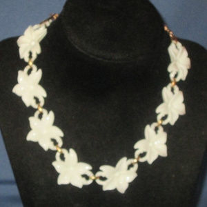 vintage white lucite flower necklace